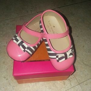 Kate Spade infant Flats in box sz 4(9mos to 12mos